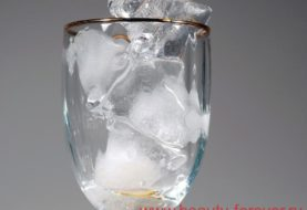 Кубики льда для молодой и упругой кожи.
