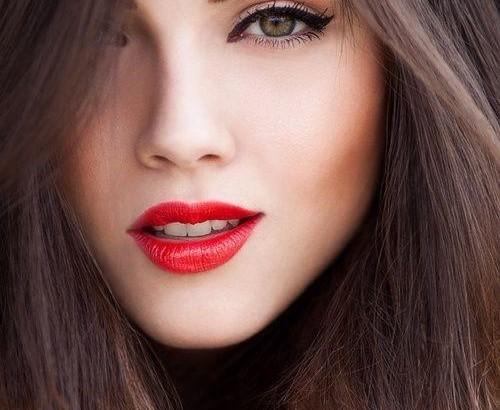 Макияж губ в деловом макияже