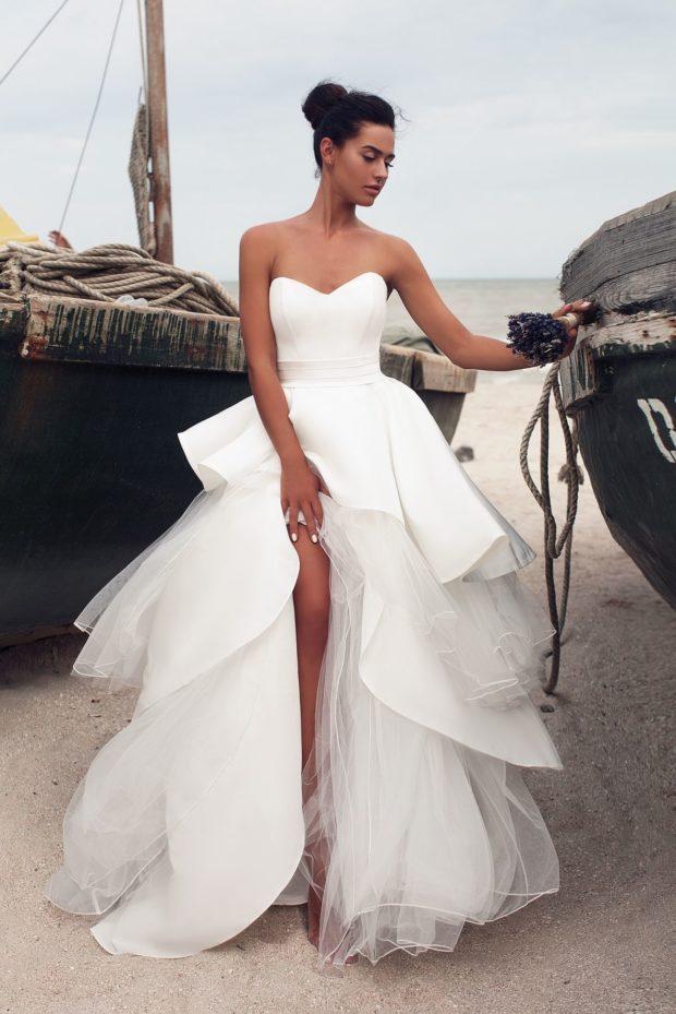 Свадебное короткое платье с воланами