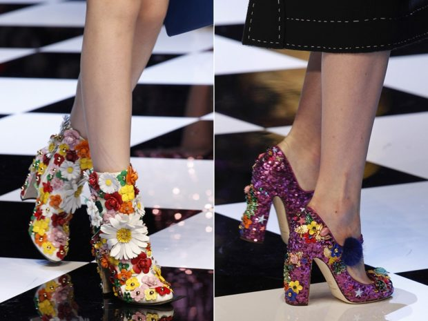 Туфли с декоративными цветами