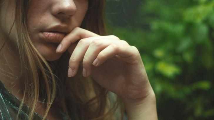 Как передается герпес на губах – причины заражения