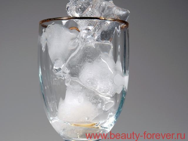 Кубики льда для молодой и упругой кожи