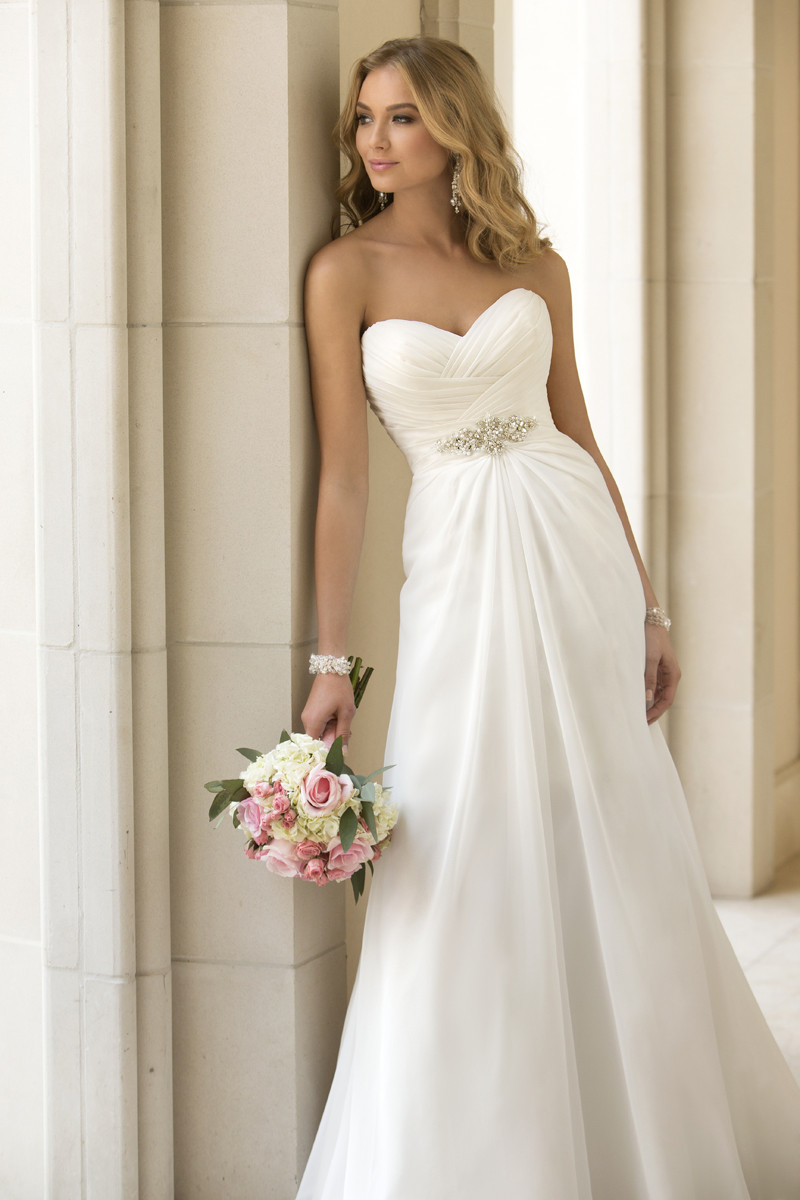 Классические наряды на свадьбу