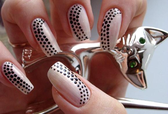 Простые рисунки на ногтях