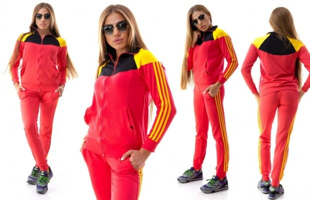 Спортивные костюмы женские