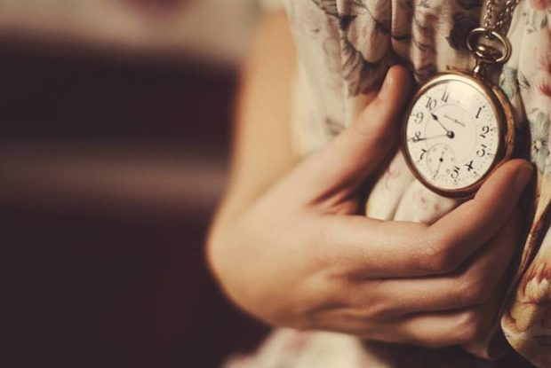 Женские часы-кулоны